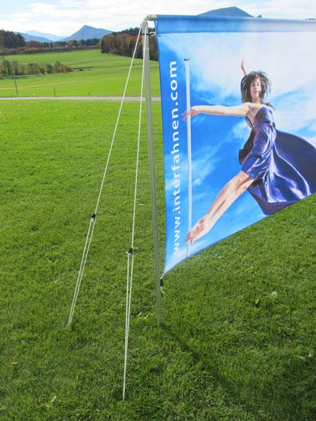 Mobil-Banner mit optionaler Seilabspannung